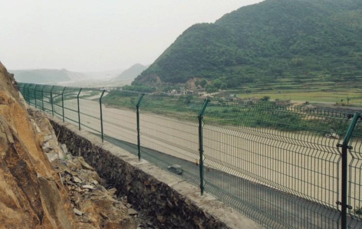 东莞高速公路防护栏 东莞桥梁安全防护网 广东铁路安全防护网 广州