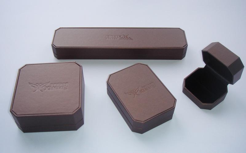 珠宝盒 首饰盒 装饰盒     本工厂专业生产各类首饰盒,珠宝盒,包装袋