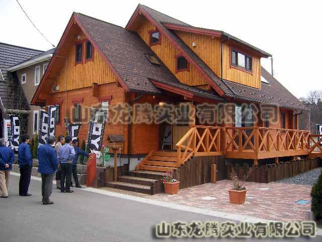 木结构别墅大门图片