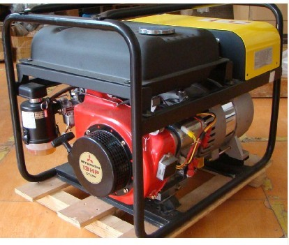 机械及工业制品 焊接,切割设备与材料 >> 三菱油浴发电电焊机    王强