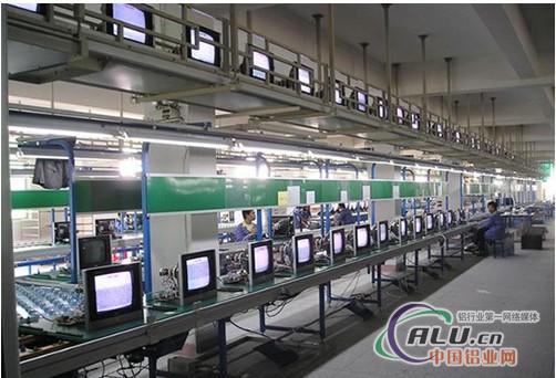 流水线的整体设计和制作,加工各类非标零件,以及防静电产品(服装