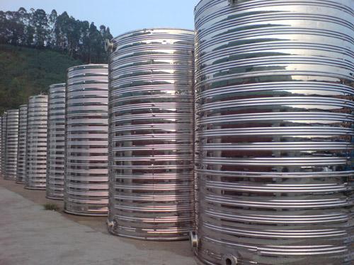 圆柱不锈钢保温水箱高清图片 高清大图