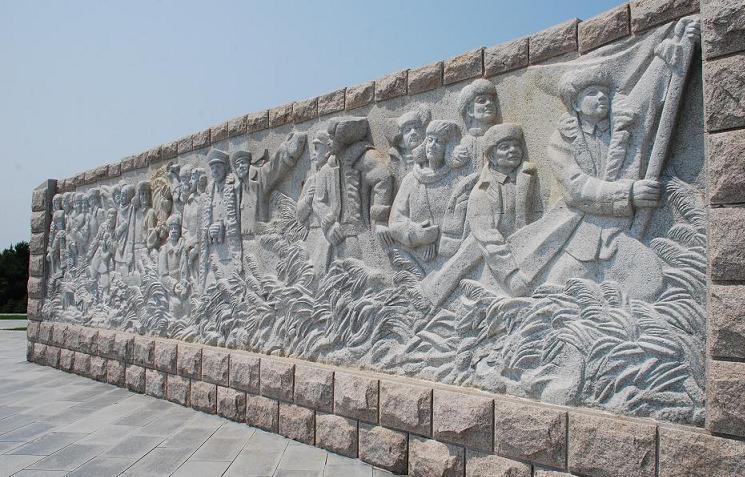 八年抗战大型浮雕 汉白玉浮雕制作