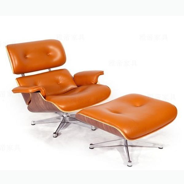 Charles与Ray Eames夫妇是20世纪最有影响力的设计师,他们协力将家具设计带起以一股新风潮,摩登时髦、雅致简洁、兼顾功能性的造型美感,Eames所设计的作品,总是清清楚楚的告诉人们简约而人性化的设计结构及品质。伊姆斯休闲椅作为美国最重要的现代艺术博物馆MOMA的永久收藏品。 产品描述(Product Deion): 产品型号: CF021 产品尺寸(cm): 87(长)x92(宽)x85(高) 设计师: Charles and Ray Eames 电话: 18719067144 生产周期: 1