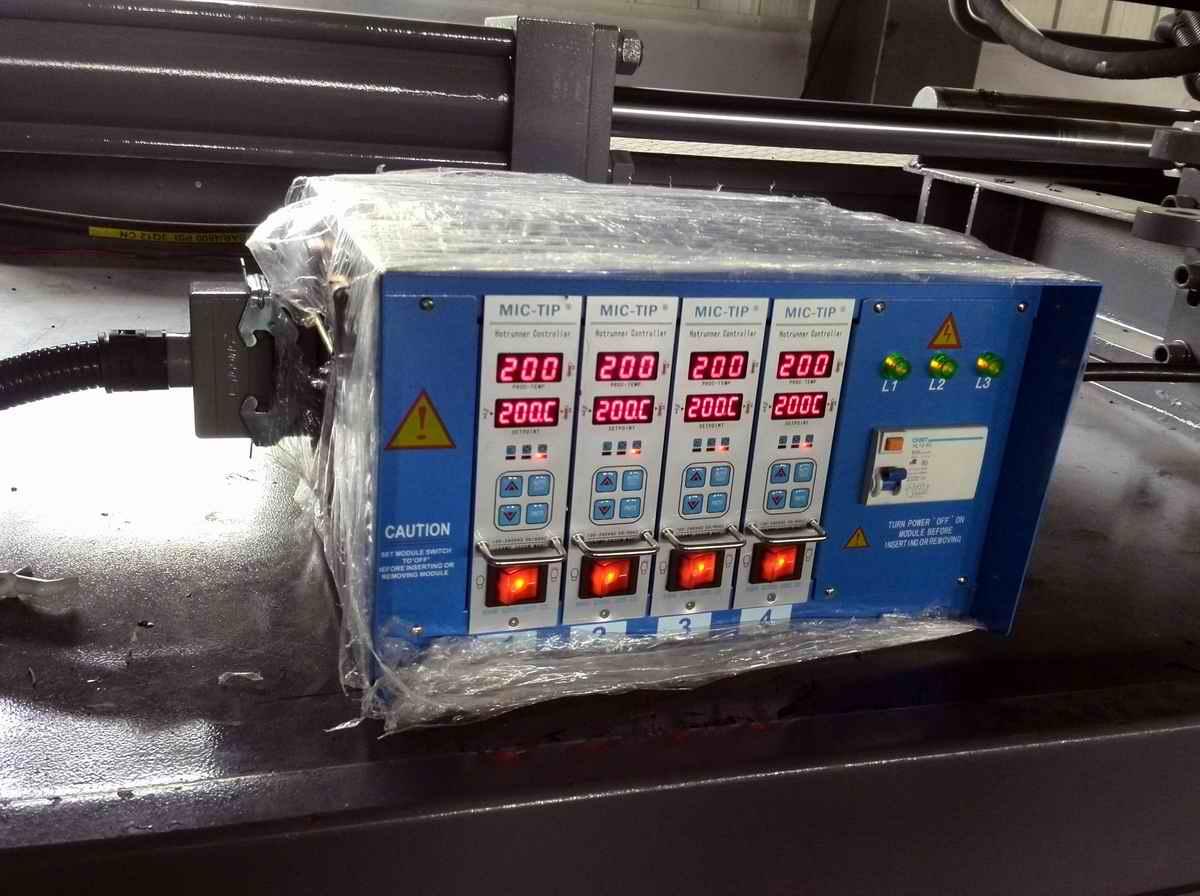 河北热流道/热流道模具温控器/四点温控箱
