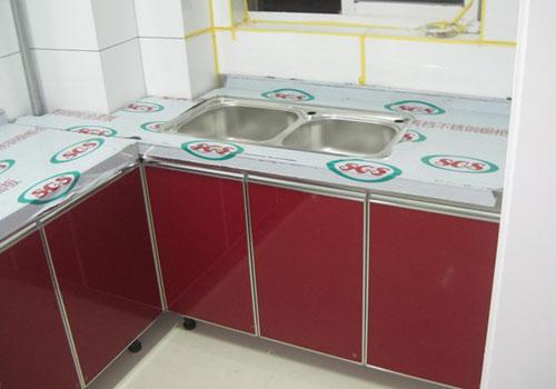 本厂主要产品有:高档不锈钢整体橱柜,不锈钢整体厨房,将欧式风格引入