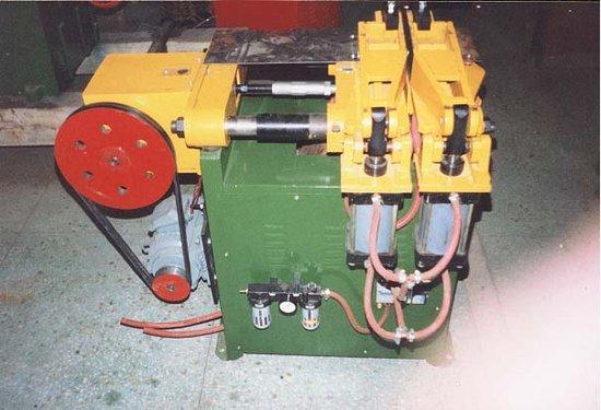 矿厂焊接链专用对焊机-北京文东输送设备厂黑茶砖图片