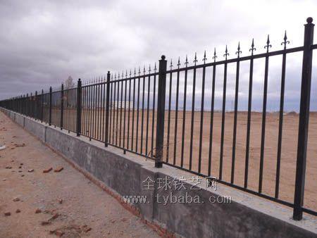 供应正方网栏/铁艺栏杆/花园铁围栏/小区围栏(图)产品
